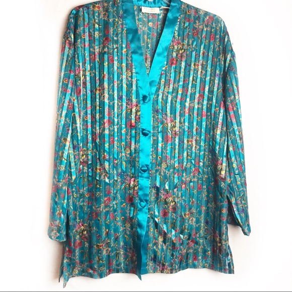 f346309df ✂️Victoria s Secret Vintage gold label sleep dress.  M 5b6f7fcbd6716a8f3c4461c4